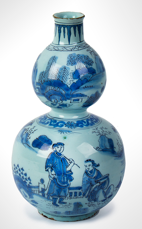 Delft Gourd-shaped Bottle, Asian Style Double Gourd Vase Circa 1740 Decorated in the Transitional Ming Style, Likely Martinus Gouda, Romeyn Factory, entire view 2