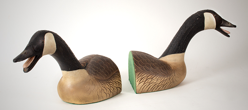 Vintage Ward Brothers Canada Goose Bookends, Outstanding Calling Geese Steve Ward (1895-1976) and Lemuel Ward (1896-1984), Crisfield, Maryland, entire view 3