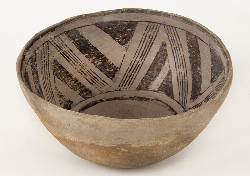 Prehistoric Anasazi Pottery Bowl, Black on White, Light Gray Pottery Native American, Southwestern United States, Ancestral Puebloan Purportedly found in Canyon de Chelly near Four Corners Area, entire view 1