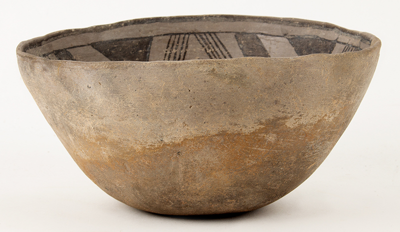 Prehistoric Anasazi Pottery Bowl, Black on White, Light Gray Pottery Native American, Southwestern United States, Ancestral Puebloan Purportedly found in Canyon de Chelly near Four Corners Area, entire view 3