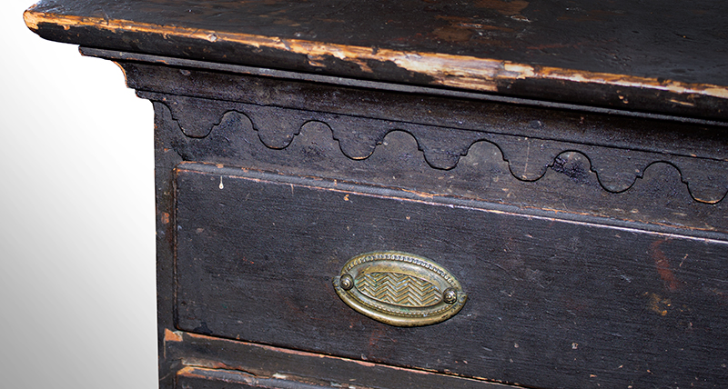 Chippendale, Connecticut River Valley Four Drawer Chest, Original Condition Likely Northern Valley, circa 1790-1800 (Verbal 1940s Vermont history) Eastern white pine Maker Probably Trained in New London County, Connecticut, detail view