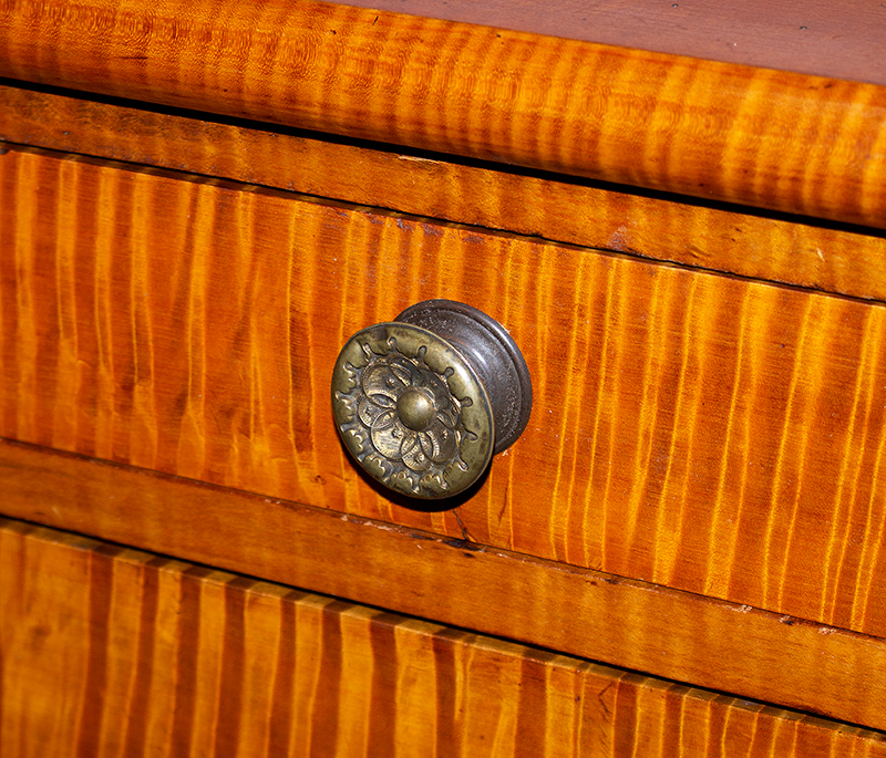 Antique Curly Maple Chest, Vermont Tiger Maple, Attributed to Loomis Family Shaftsbury, Vermont, Circa 1815, detail view