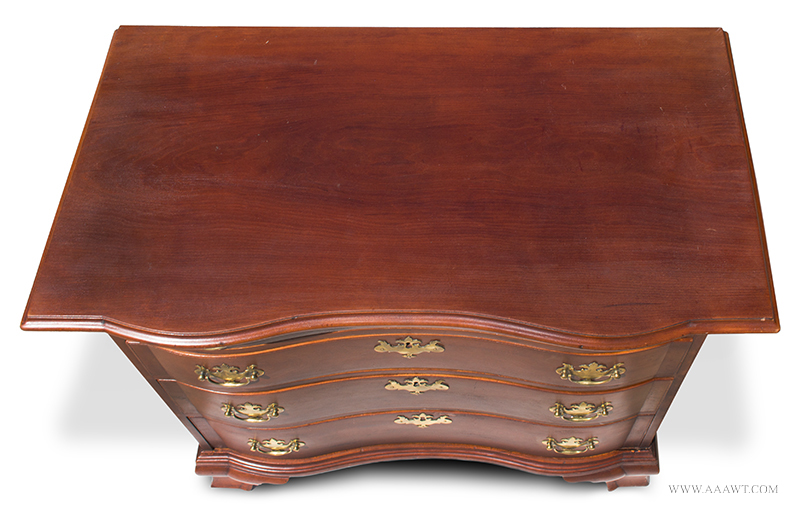 Fine and Rare Massachusetts Chippendale Carved Cherry Oxbow Serpentine Chest of Drawers In the Circle of Benjamin Frothingham, Charlestown, Massachusetts, Circa 1760-1780, above angle view
