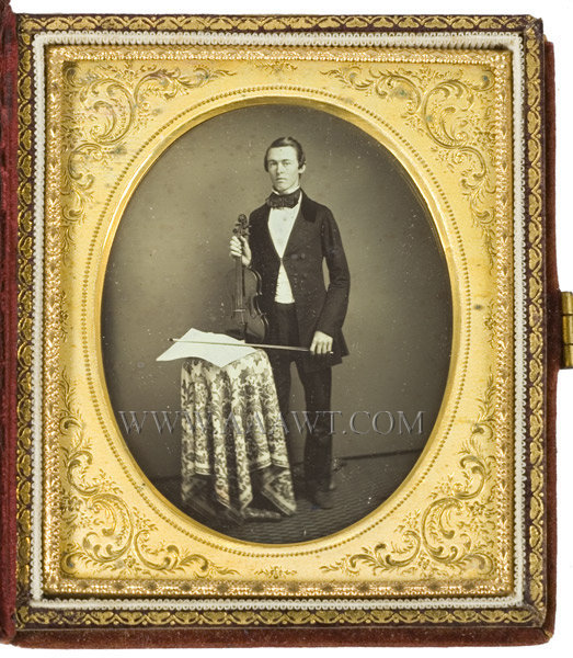 Daguerreotype, Violinist, Outstanding Sixth Plate, Rare Anonymous 19th Century, entire view