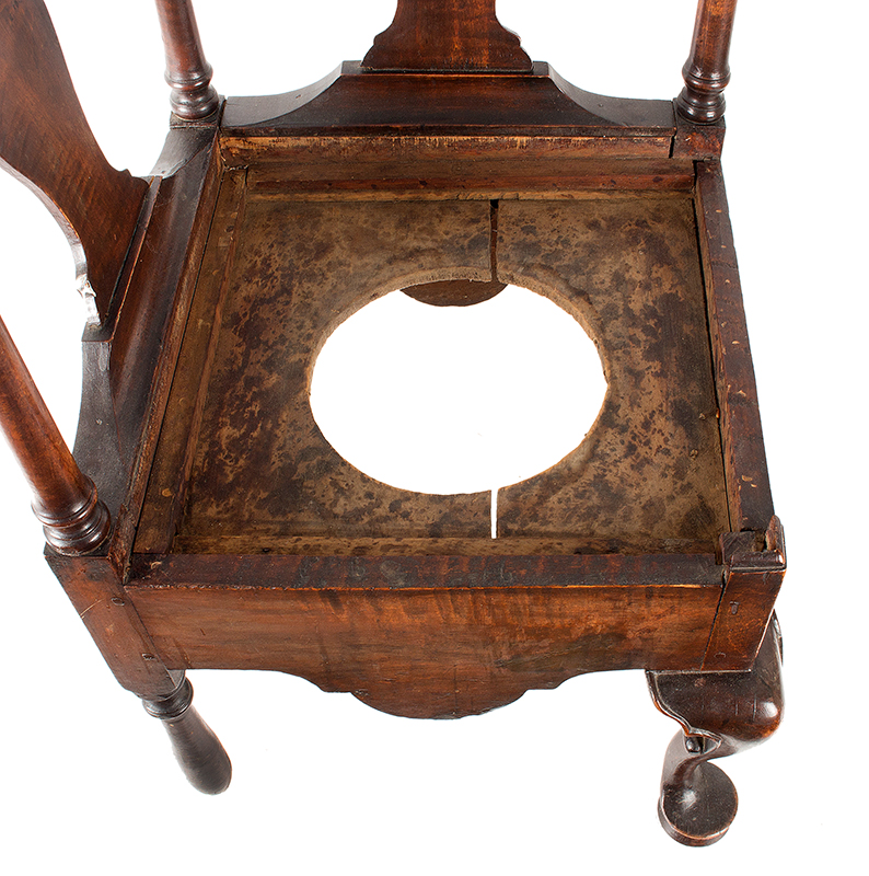 Near Pair of Roundabout Chairs by a Single Maker in Same Shop, Original Surface New England, Circa 1775-1800 Maple, seat detail