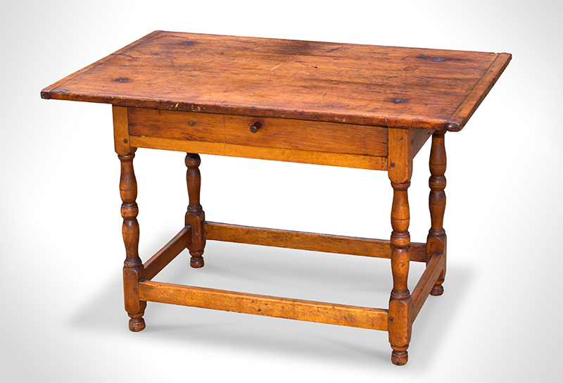 Antique Tavern Table, Worktable New England, circa 1750 Maple and white pine, entire view 1
