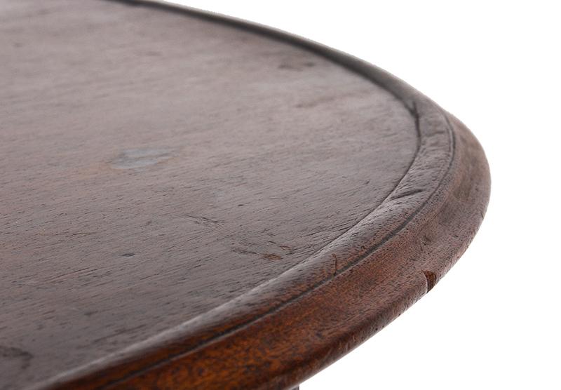 Antique Tea table, Circular Tilt Top, Dish Edge, Birdcage Support Pennsylvania, circa 1765-1780 Walnut, old surface, detail view 4