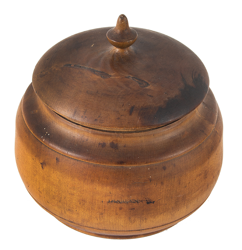 Antique Treenware, Large Covered Pease Jar, Squat Form, Good Patina, 8-Inch Ohio Peaseware, circa 1870 Maple, angle view