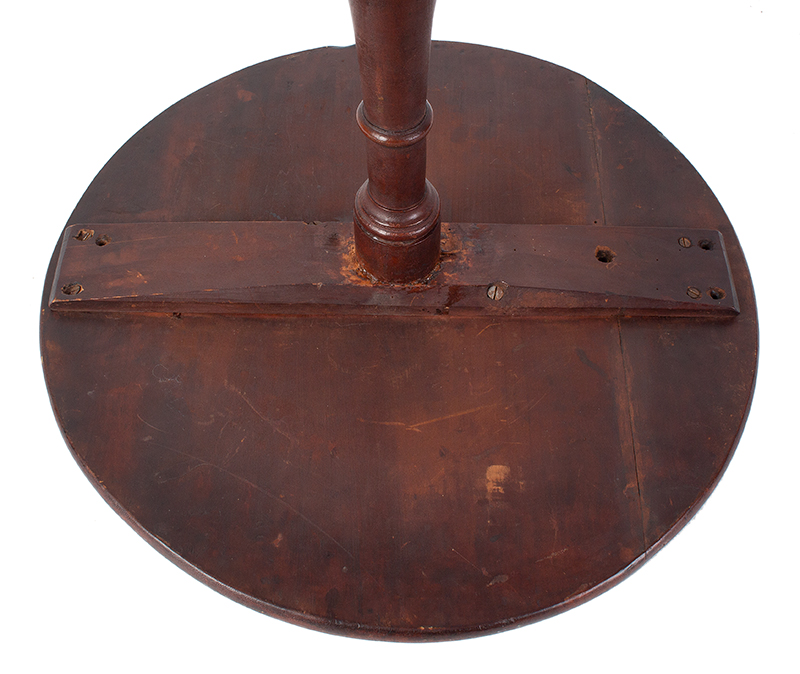 Chippendale Candlestand, Northshore, Massachusetts Possibly Newburyport, in the circle of Joseph Short, underside view