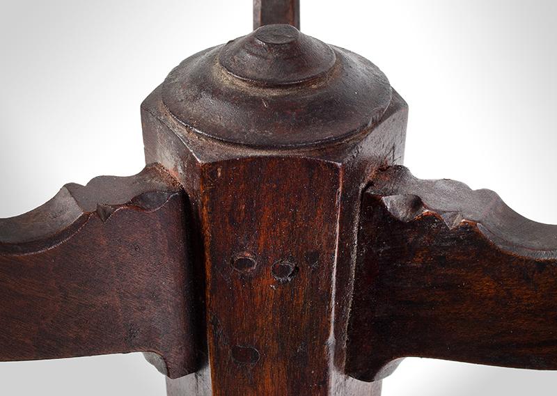 Antique Candlestand, Samuel Dunlap, New Hampshire, Circa 1800-1810 Salisbury, New Hampshire, detail view 1