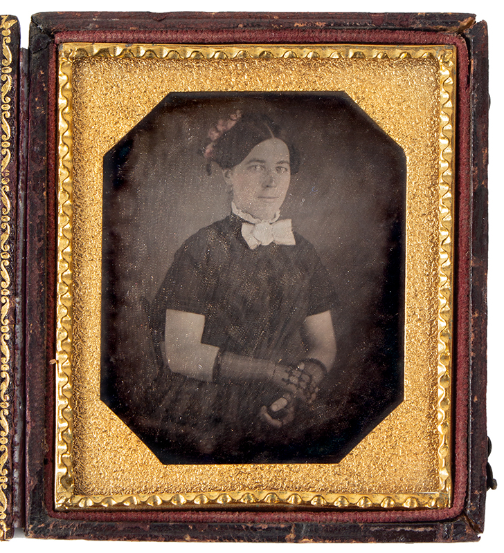 Daguerreotype, Young Lady Wearing Lace Gloves, entire view 1