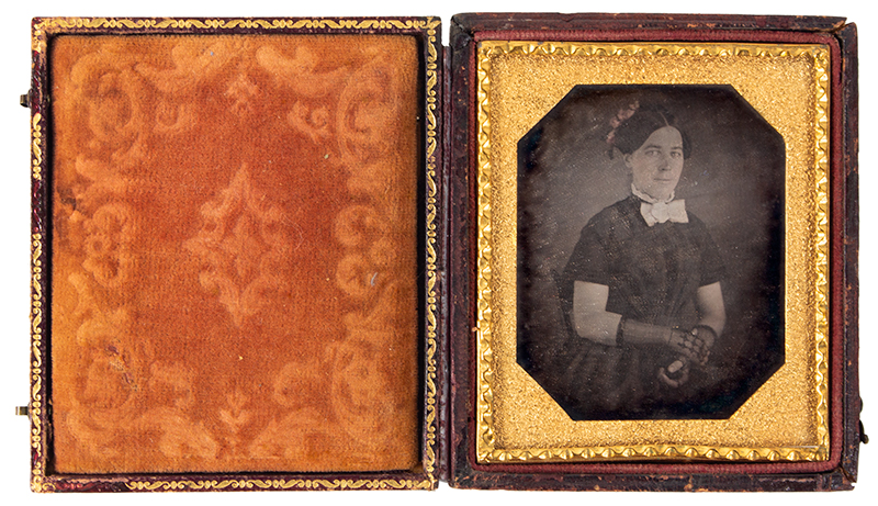 Daguerreotype, Young Lady Wearing Lace Gloves, entire view 2
