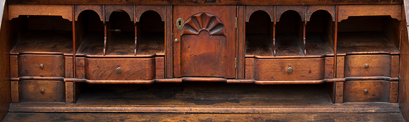 Queen Anne Slant Lid Desk, Fine Fitted Blocked and Shell Carved Interior Rhode Island, detail view 1