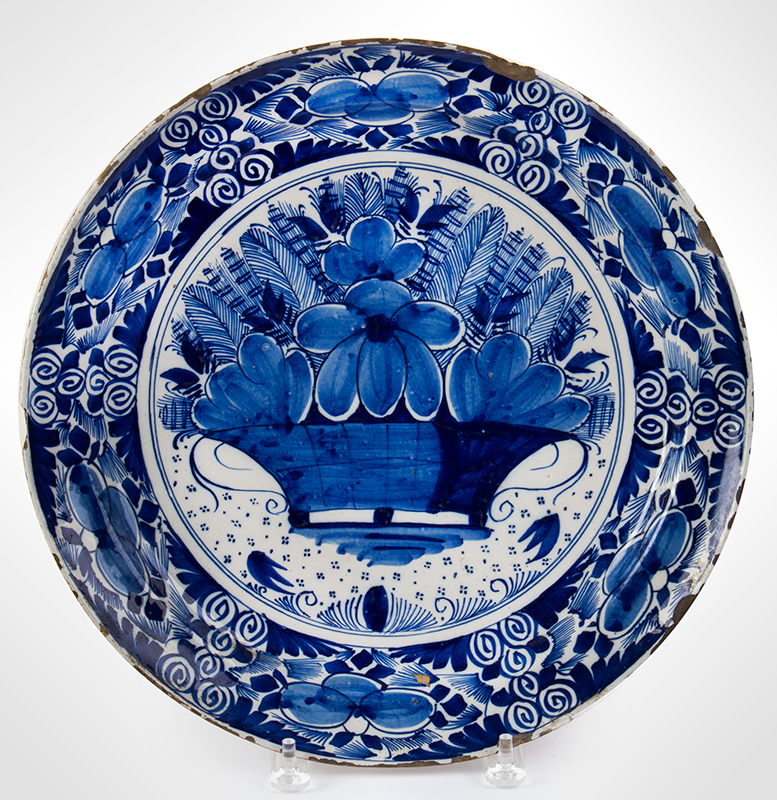 Delft Charger, entire view