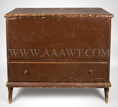 Lift-Top Blanket Chest Old Red paint 18th century, entire view