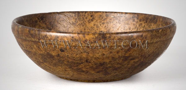 Small Burl Bowl ASH New England Early 19th Century, entire view