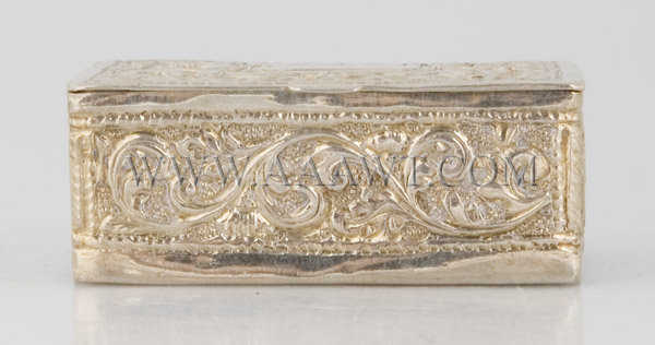 Silver Snuff Box With leaves and flowers decoration, front view