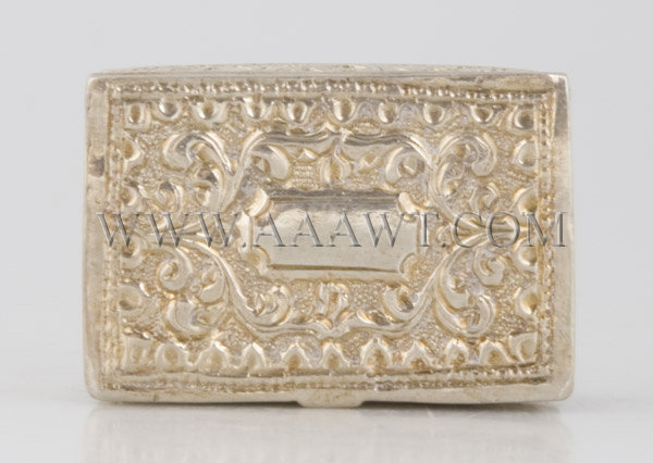 Silver Snuff Box With leaves and flowers decoration, top view