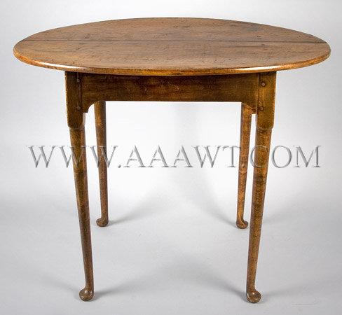 Oval Top Tea Table New England Circa 1740 to 1765, angle view