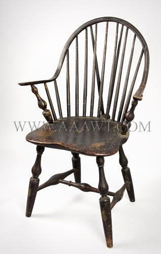 Continuous-Arm Brace-Back Windsor Chair New York Circa 1790, angle view