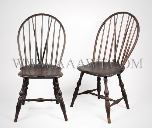 Incroyable Pair Of Windsor Side Chairs Bow Back Brace Backs Rhode Island Circa  1790 1800   SOLD