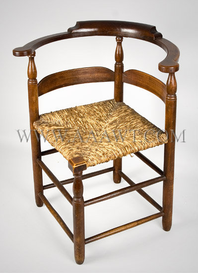 Roundabout Chair New England, maple Circa 1775 to 1800, angle view