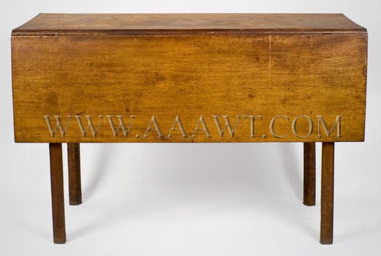 Chippendale Drop-Leaf Dining Table New England, butternut Circa 1780-1800, entire view