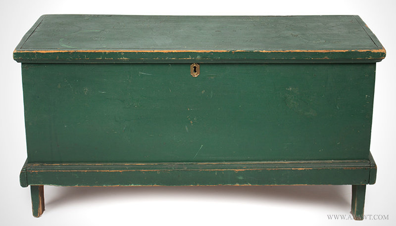 Antique Small Blanket Chest in Original Green Paint, New England, 19th Century, entire view