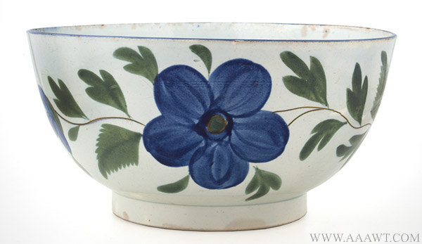 Antique Pearlware Footed Bowl with Floral Decoration, 19th Century, entire view 1
