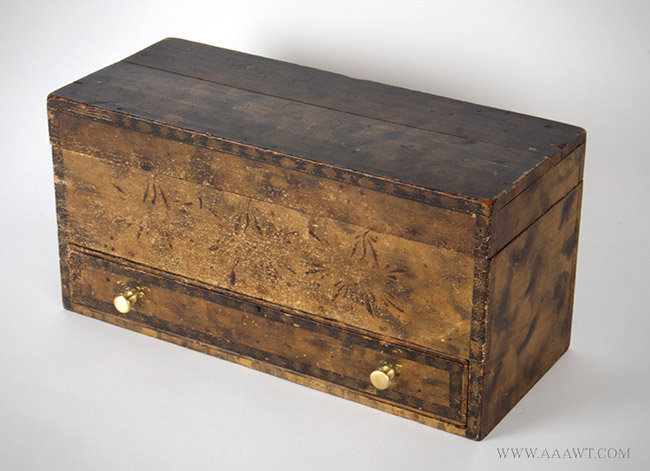Antique Paint Decorated Dresser Box in Original Surface, New England, 19th Century, angle view