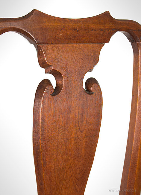 Antique Queen Anne Cherry Side Chair with Yoke Crest and Vasiform Splat, Circa 1740 to 1760, splat detail