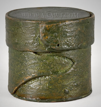 Small Band Box, Pill Box, Buttonhole Lap, Original Green Paint New England Circa 1780 to 1820, entire view