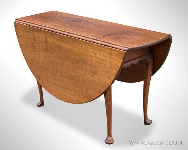Table, Queen Anne, Drop Leaf, Dining Size, Round, Old Surface, Shaped Skirt New England, Circa 1760, entire view