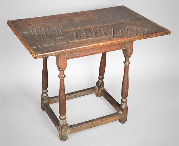 Table, William and Mary, Rare Small Size, Great Surface, Tavern, Tap New England 18th Century, angle view