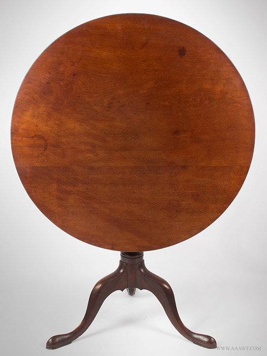 Antique Queen Anne Tea Table with Circular Top and Cabriole Legs, 18th  Century, top - Antique Furniture_Candlestands, Tea Tables