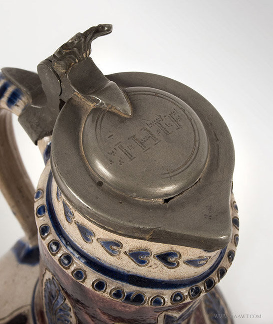 Antique Westerwald Steinzeug Krug Brushed in Cobalt and Manganese, Circa 1700, lid detail