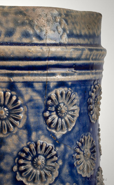 Antique Westerwald Stoneware Salt Glazed Birnbauchkrug, Circa 1700, crack detail