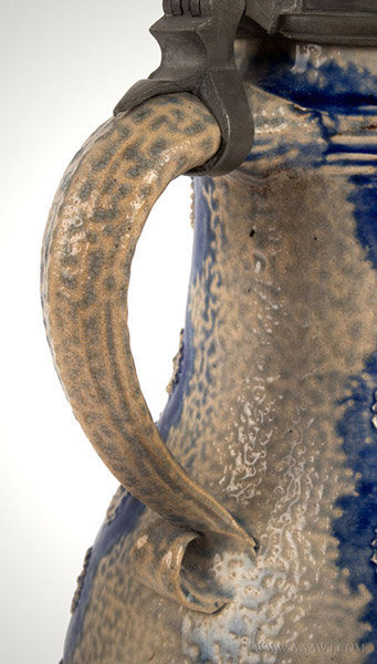 Antique Westerwald Stoneware Salt Glazed Birnbauchkrug, Circa 1700, handle detail